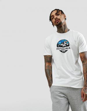 Patagonia Белая футболка узкого кроя из органического хлопка с принтом. Цвет: белый