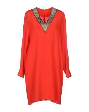 Короткое платье TUCKER. Цвет: красный