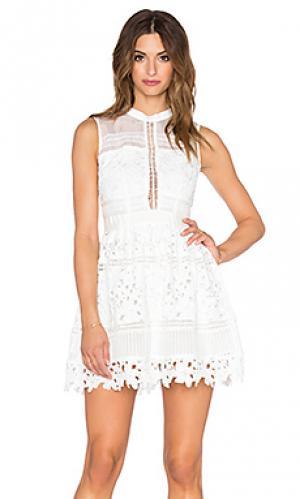 Платье katia Bronx and Banco. Цвет: белый