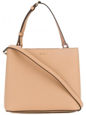 Маленькая сумка на плечо Donna Karan. Цвет: телесный