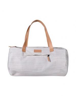 Дорожная сумка EASTPAK. Цвет: бежевый