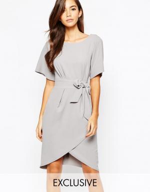 Closet London Платье с рукавами‑кимоно и завязкой спереди. Цвет: серый