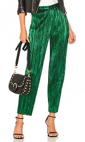 Металлизированные костюмные брюки kate House of Harlow 1960. Цвет: зеленый