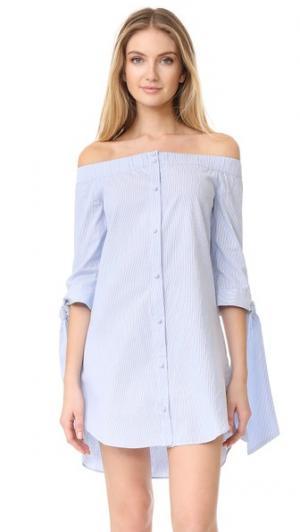 Полосатое платье с открытыми плечами ENGLISH FACTORY. Цвет: голубой