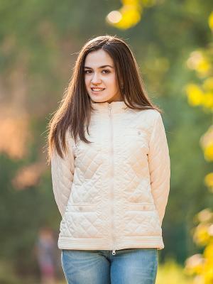 Куртка Аксарт. Цвет: молочный