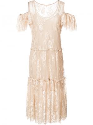 Кружевное платье с открытыми плечами Gold Hawk. Цвет: телесный