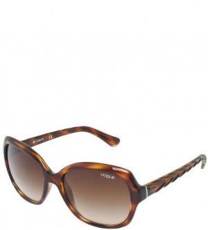 Солнцезащитные очки с градиентными линзами VOGUE. Цвет: коричневый