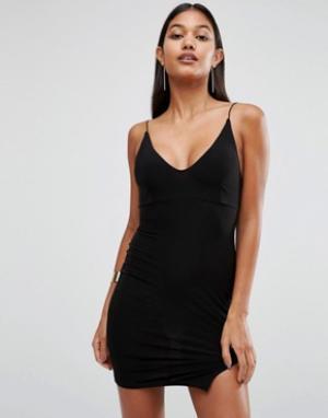 Club L Платье мини на тонких бретельках с разрезом. Цвет: черный