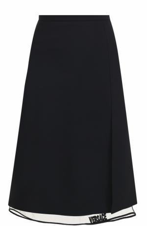 Однотонная юбка-миди с прозрачной вставкой Versace. Цвет: черный