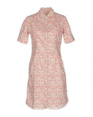 Короткое платье INGRAM. Цвет: розовый