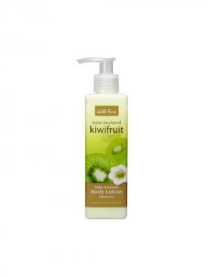 Увлажняющий лосьон Kiwifruit Silky Smooth Body Lotion для тела с киви и миндальным маслом, 240 мл Wild Ferns. Цвет: белый