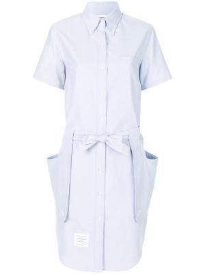 Платье-рубашка с завязками на поясе Thom Browne. Цвет: синий