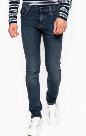 Синие зауженные джинсы с низкой посадкой Tommy Hilfiger. Цвет: синий