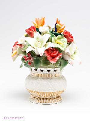 Композиция Ваза с цветами Pavone. Цвет: молочный, красный, зеленый
