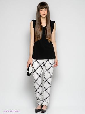 Брюки Vero moda. Цвет: белый, черный