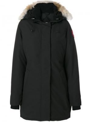 Пальто с отделкой мехом на капюшоне Canada Goose. Цвет: чёрный