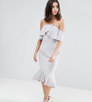 True Decadence Petite Платье-бандо миди с крупными оборками. Цвет: серый