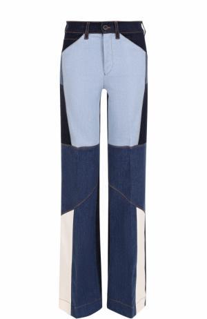 Расклешенные джинсы с контрастной прострочкой Victoria, Victoria Beckham. Цвет: разноцветный