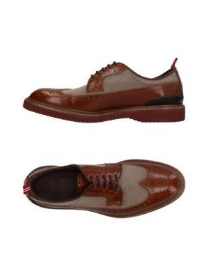 Обувь на шнурках GREEN GEORGE. Цвет: коричневый
