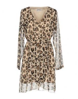 Короткое платье DRY LAKE.. Цвет: песочный
