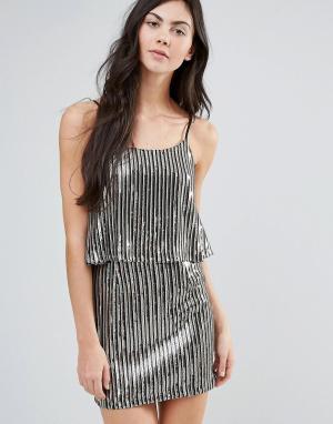 Endless Rose Плиссированное платье металлик с накладкой. Цвет: серебряный