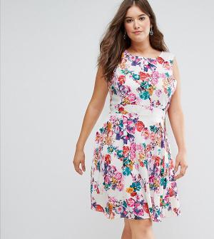 Koko Короткое приталенное платье с цветочным принтом. Цвет: мульти