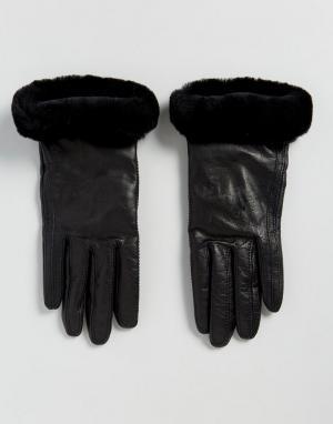 UGG Классические кожаные перчатки. Цвет: черный