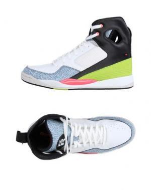 Высокие кеды и кроссовки REEBOK. Цвет: белый