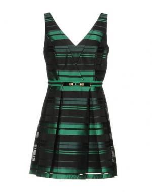 Короткое платье ALLURE. Цвет: зеленый