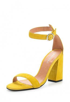 Босоножки Lamania. Цвет: желтый