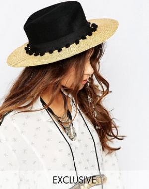 Catarzi Соломенная шляпа с контрастным черным верхом и помпонами. Цвет: бежевый