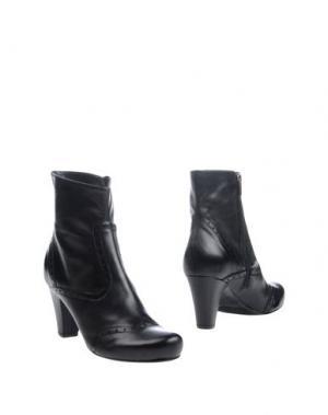 Полусапоги и высокие ботинки LUZZI. Цвет: черный