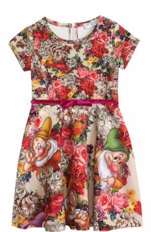 Приталенное платье с принтом и бархатным поясом Monnalisa. Цвет: разноцветный