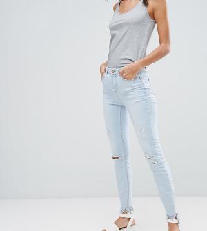 New Look Tall Выбеленные зауженные джинсы с рваной отделкой и бахромой. Цвет: синий