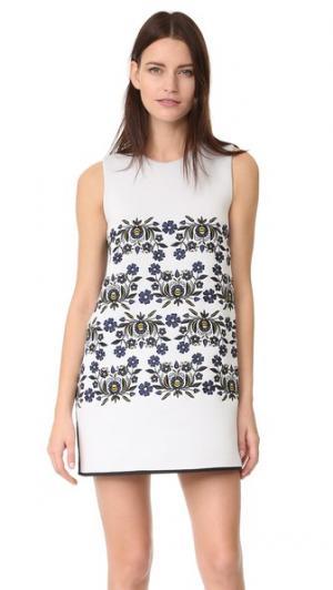 Свободное платье с вышивкой из проклеенной ткани Cynthia Rowley. Цвет: белый/рубиновый