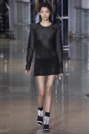 Прямое платье Anthony Vaccarello. Цвет: черный