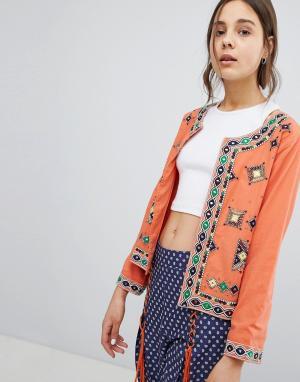 Glamorous Куртка. Цвет: оранжевый