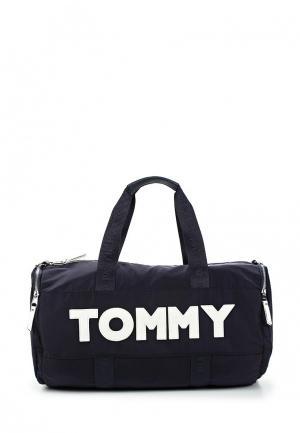 Сумка спортивная Tommy Hilfiger. Цвет: синий