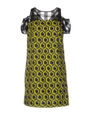 Короткое платье 22 MAGGIO BY MARIA GRAZIA SEVERI. Цвет: кислотно-зеленый