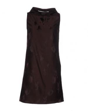 Короткое платье LAVINIATURRA. Цвет: темно-коричневый