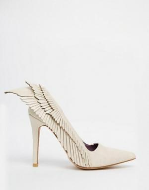 YRU Туфли на каблуке с крыльями Angyl. Цвет: бежевый