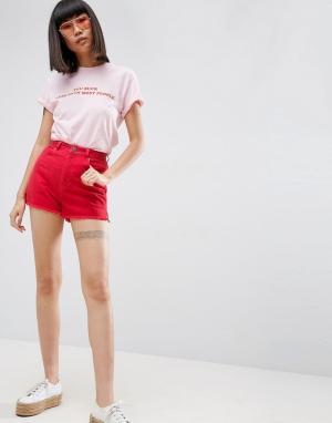 ASOS Красные джинсовые шорты с разрезами по бокам. Цвет: красный