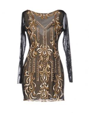 Короткое платье HOLT. Цвет: черный