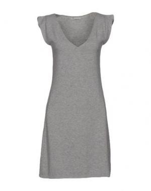Короткое платье BEAYUKMUI. Цвет: светло-серый