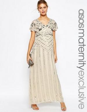 ASOS Maternity Платье макси для беременных с декоративной отделкой. Цвет: кремовый