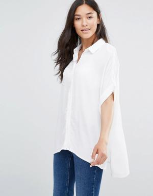 Soaked in Luxury Прямая рубашка из фактурной ткани. Цвет: белый