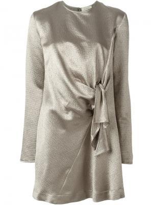 Платье-шифт с узлом спереди Isa Arfen. Цвет: металлический