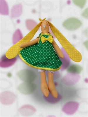 Плюшевый зайка в зелёном сарафане МИЛИСА. Цвет: бежевый