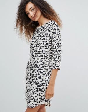 MbyM Приталенное платье с принтом. Цвет: мульти