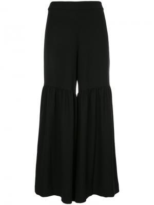 Строгие расклешенные брюки Elaidi. Цвет: чёрный